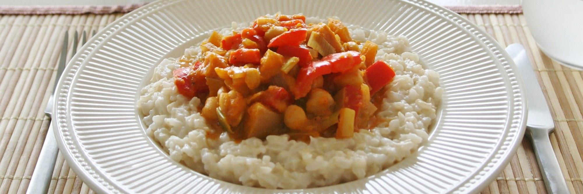 Caribische pompoen-kikkererwten curry