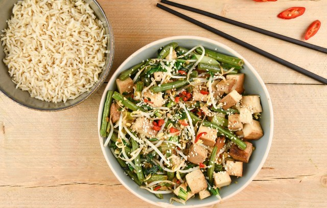 Chop choy au pakchoï, haricots verts et germes de soja