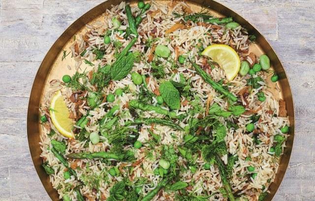 Voorjaarspilav met asperges, venkel en doperwten - recept van Meera Sodha