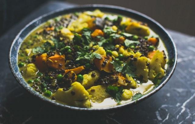 Curry aux lentilles, chou-fleur et potirons